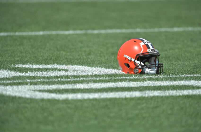 Browns wideout Davion Davis suspended 2 games for substance abuse