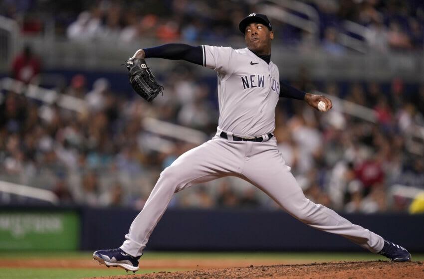 Yankees lose Aroldis Chapman to elbow injury at worst time