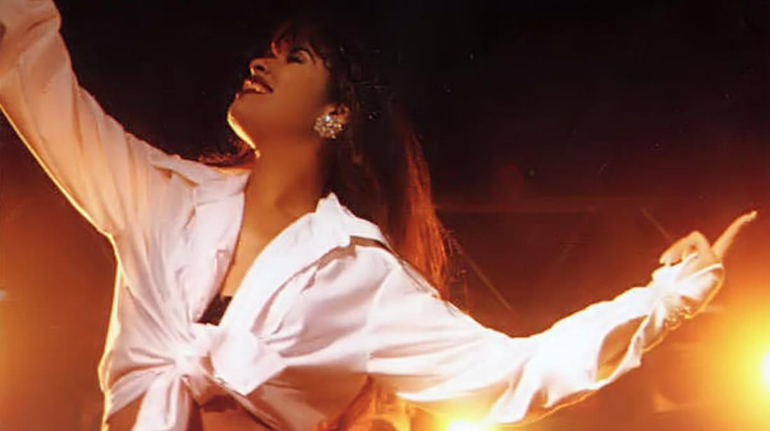 Selena live in concert in 1994.