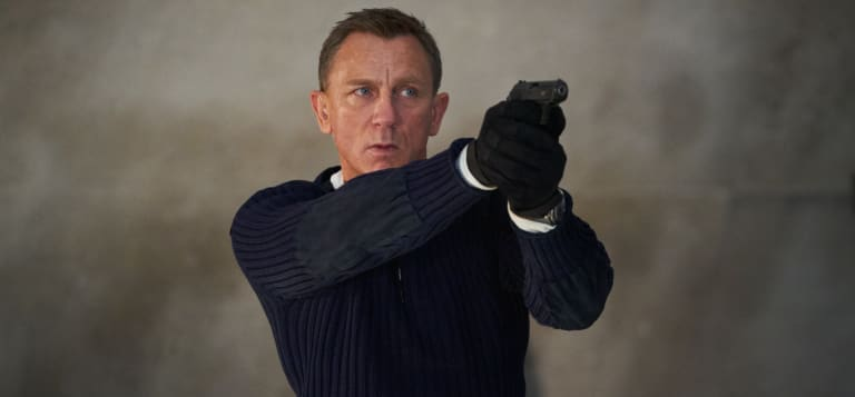 Daniel Craig stars in No Time to Die (2021).