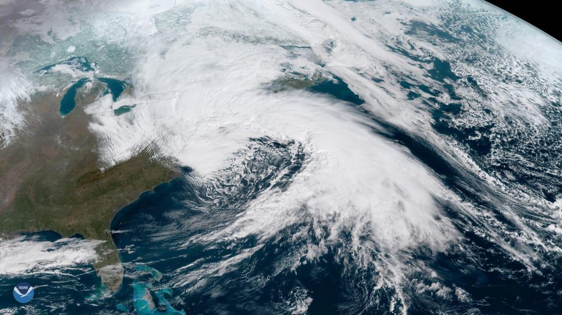 Uma imagem de satélite de um Nor'easter de março de 2018.