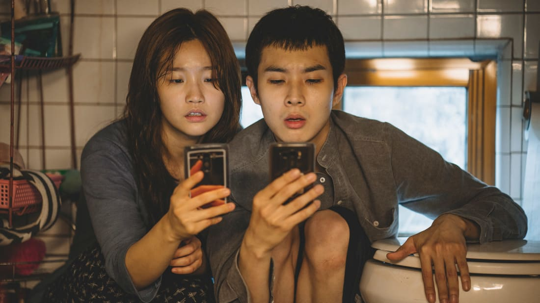 Park So-dam and Choi Woo-shik in Parasite (2019).