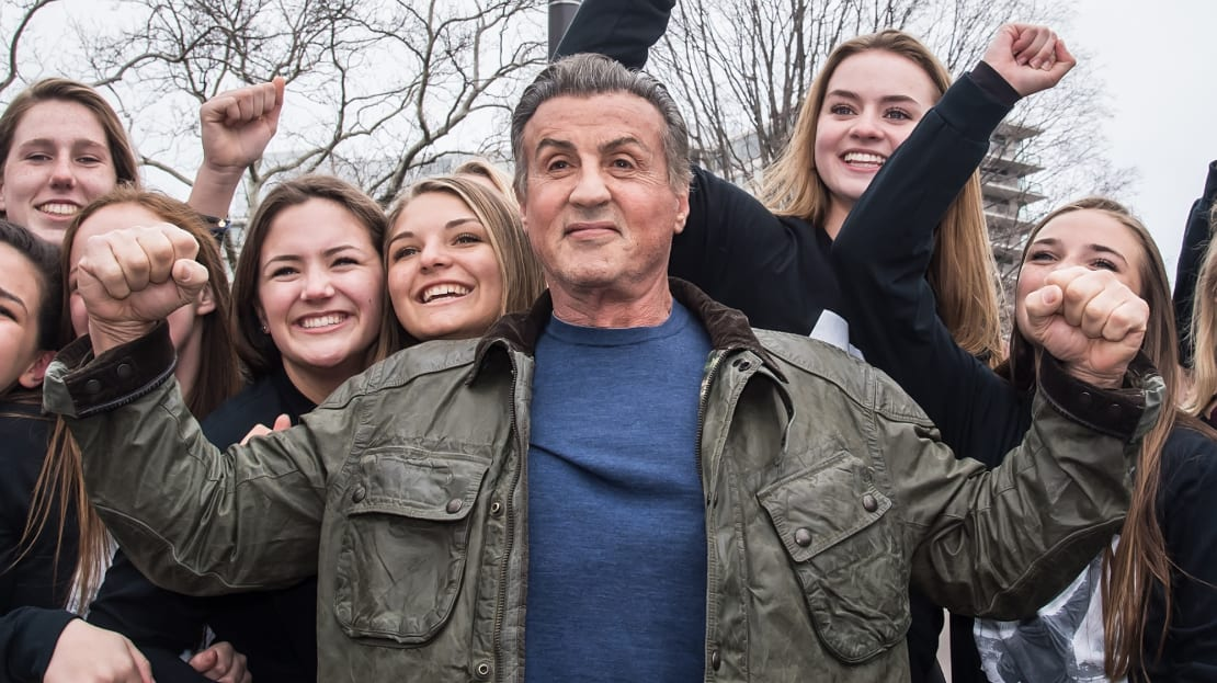 Sylvester Stallone will go a round with fans on Facebook tonight.