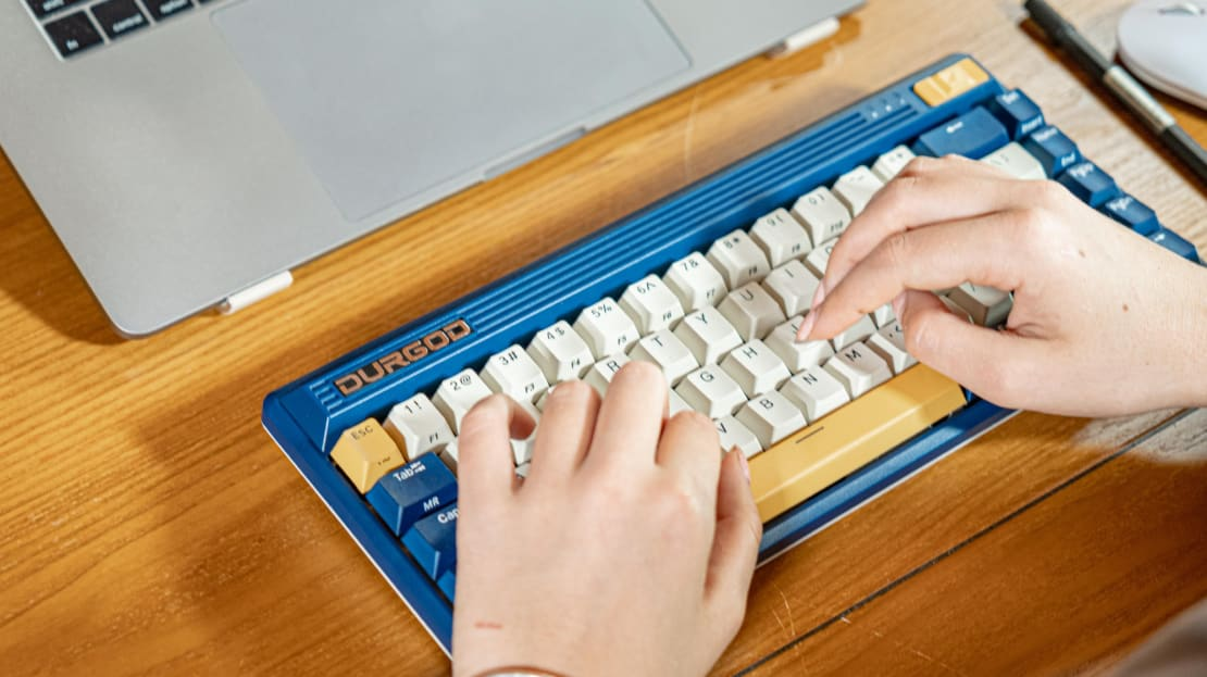 The Durgod Fusion keyboard offers a retro typing experience.