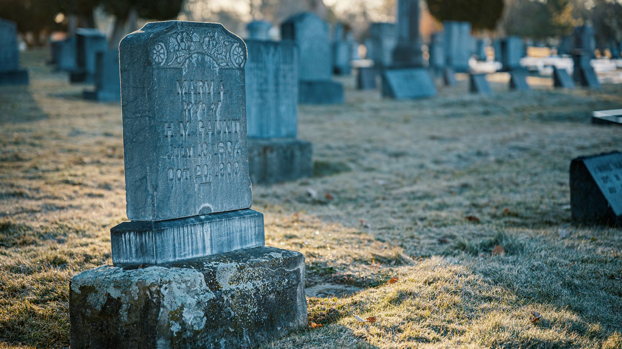The Hidden Meanings Behind 11 Common Tombstone Symbols