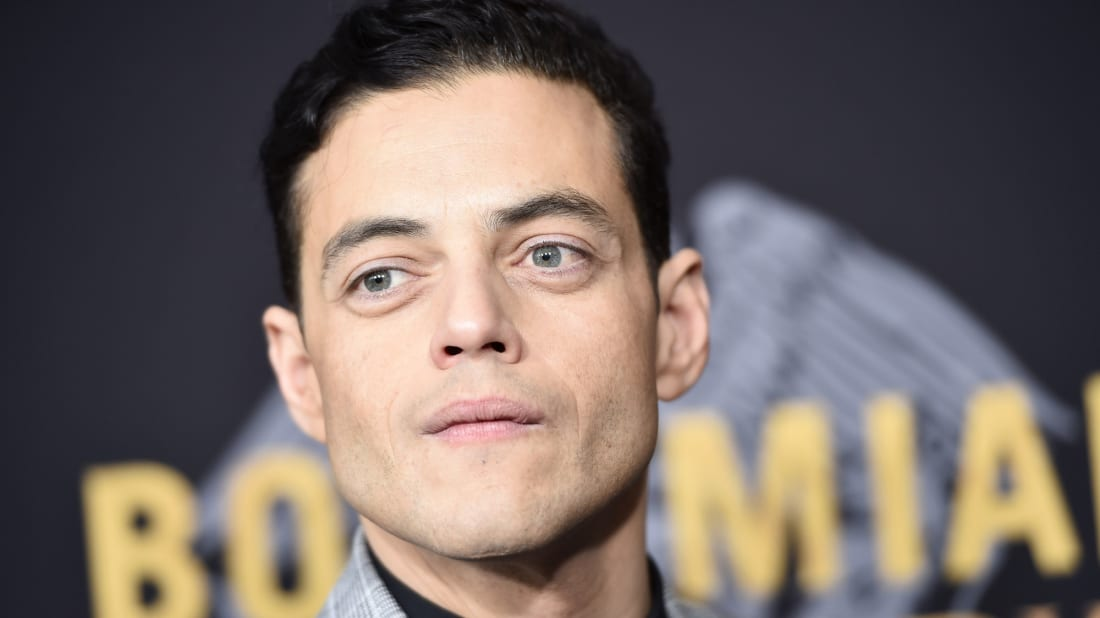 Rami Malek once handed out his headshot as part of takeout orders.