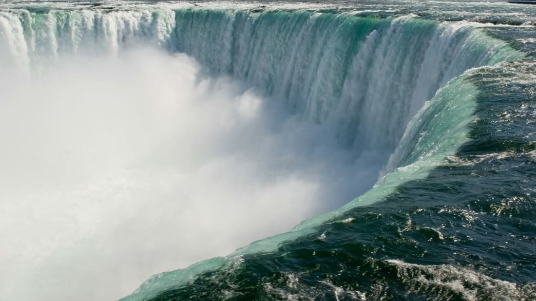 Niagara Falls has dried up on two occasions, only one of them on purpose.