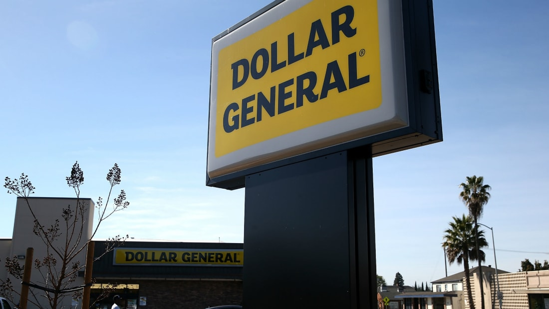 Dollar General is giving seniors a chance to avoid large crowds.