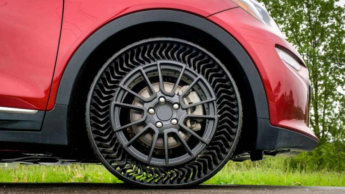 9009c7d4a50 Michelin's Puncture-Proof Tire Prototype Could Make Flats a Thing of ...