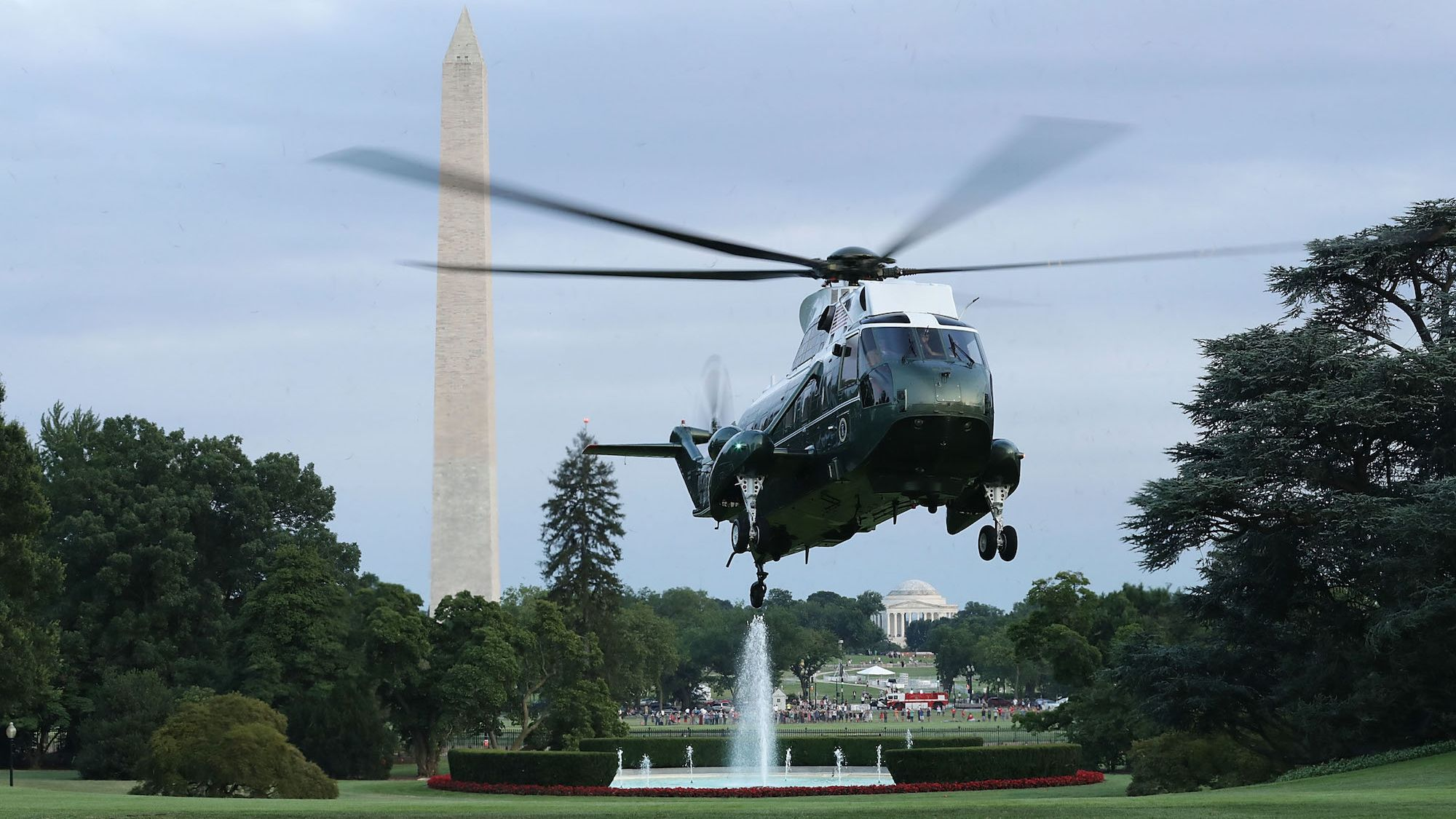 How Much Damage Does Marine One Cause to the White House Lawn When It Lands?