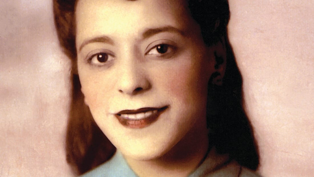 Viola Desmond hand-coloured portrait, 16-80-30220, ca. 1945. Wanda and Joe Robson Collection, Sydney NS. Beaton Institute, Cape Breton University // Used With Permission