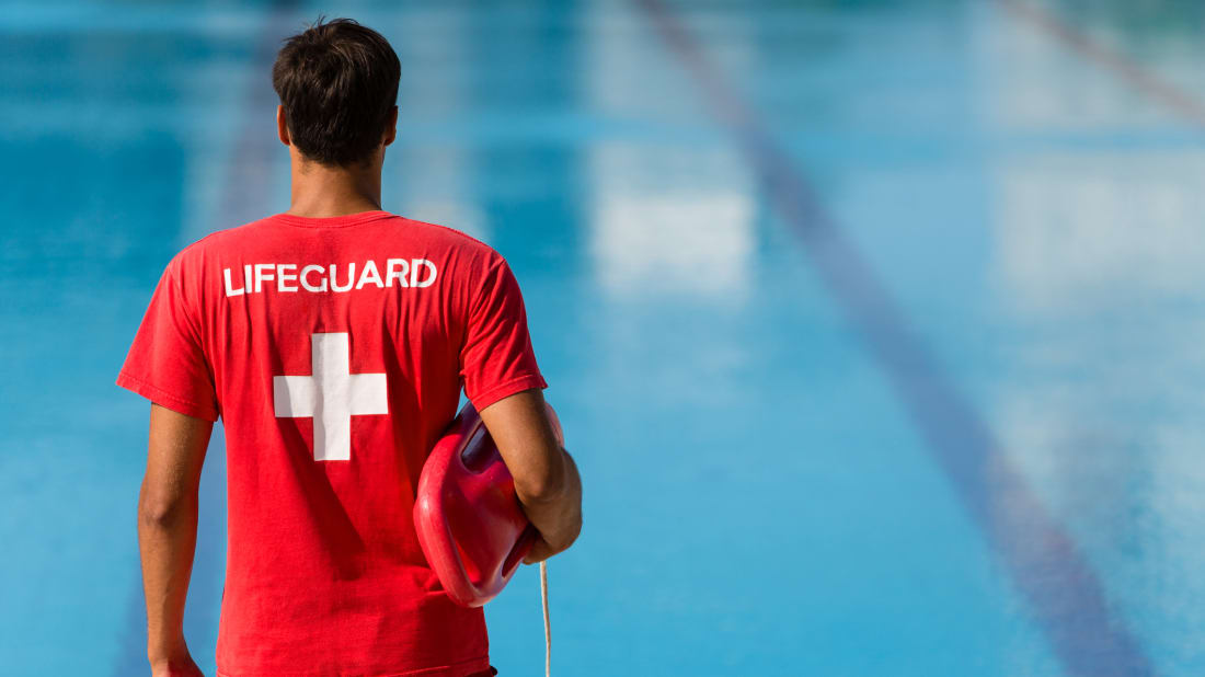 884fa180c1fa 15 Behind-the-Scenes Secrets of Pool Lifeguards