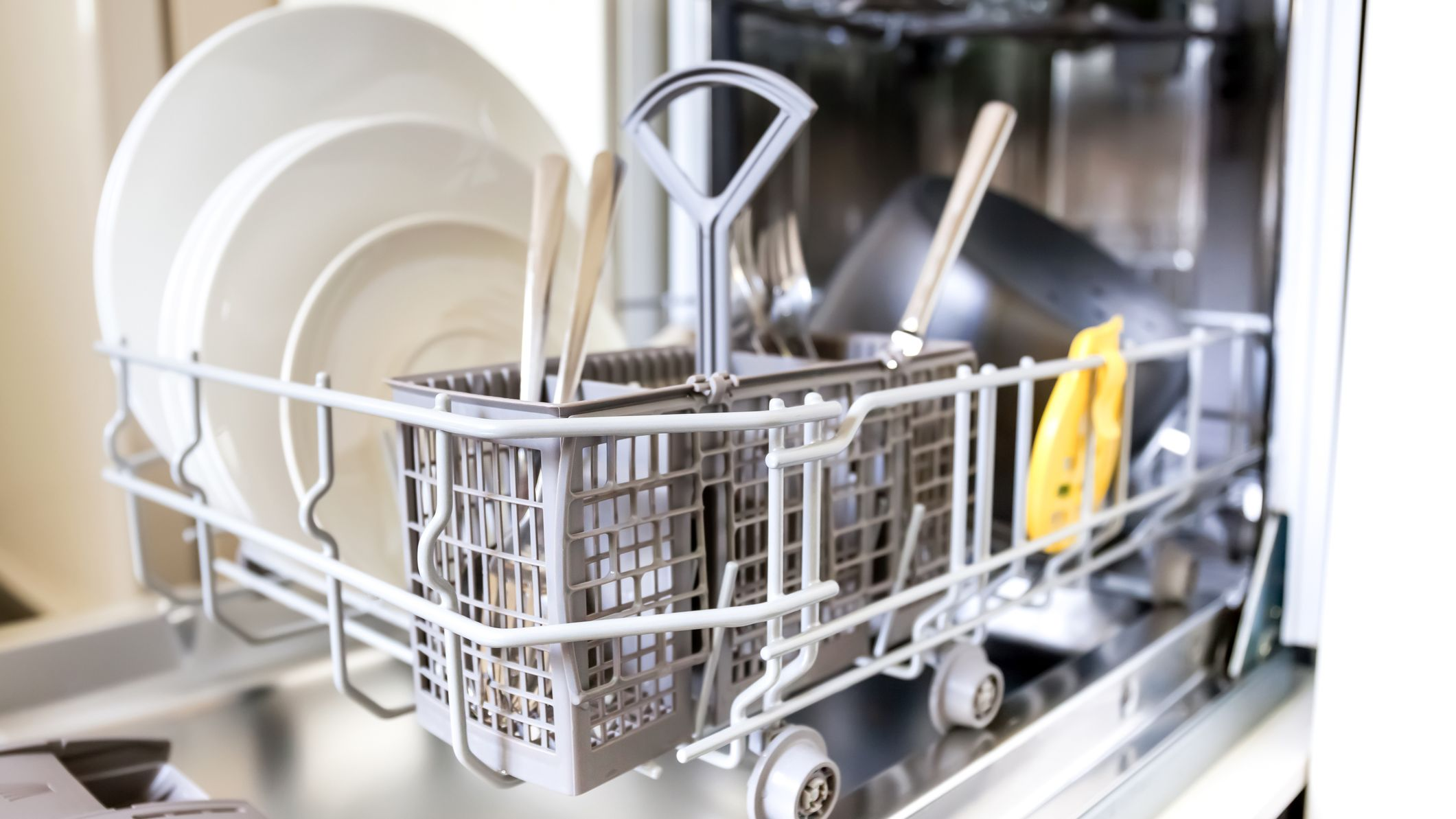 305fb776cd6 23 Things You Didn't Know Your Dishwasher Could Do—and 2 'Hacks' You ...