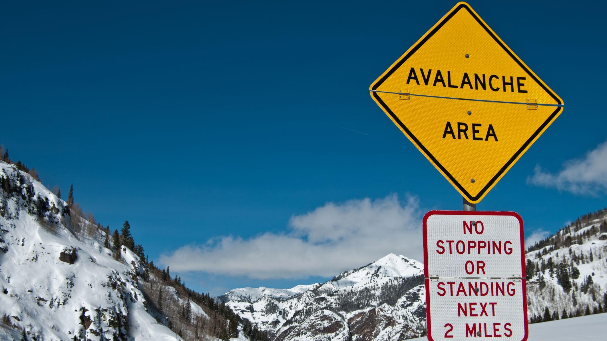 Driver Captures Avalanche Crashing Down Colorado ...