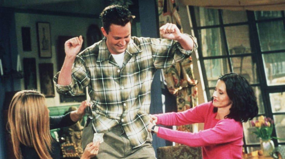 Jennifer Aniston, Matthew Perry, and Courteney Cox star in Friends.