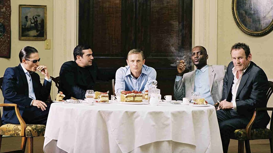 L to R: Tom Hardy, Tamer Hassan, Daniel Craig, George Harris, and Colm Meaney in Layer Cake (2004).
