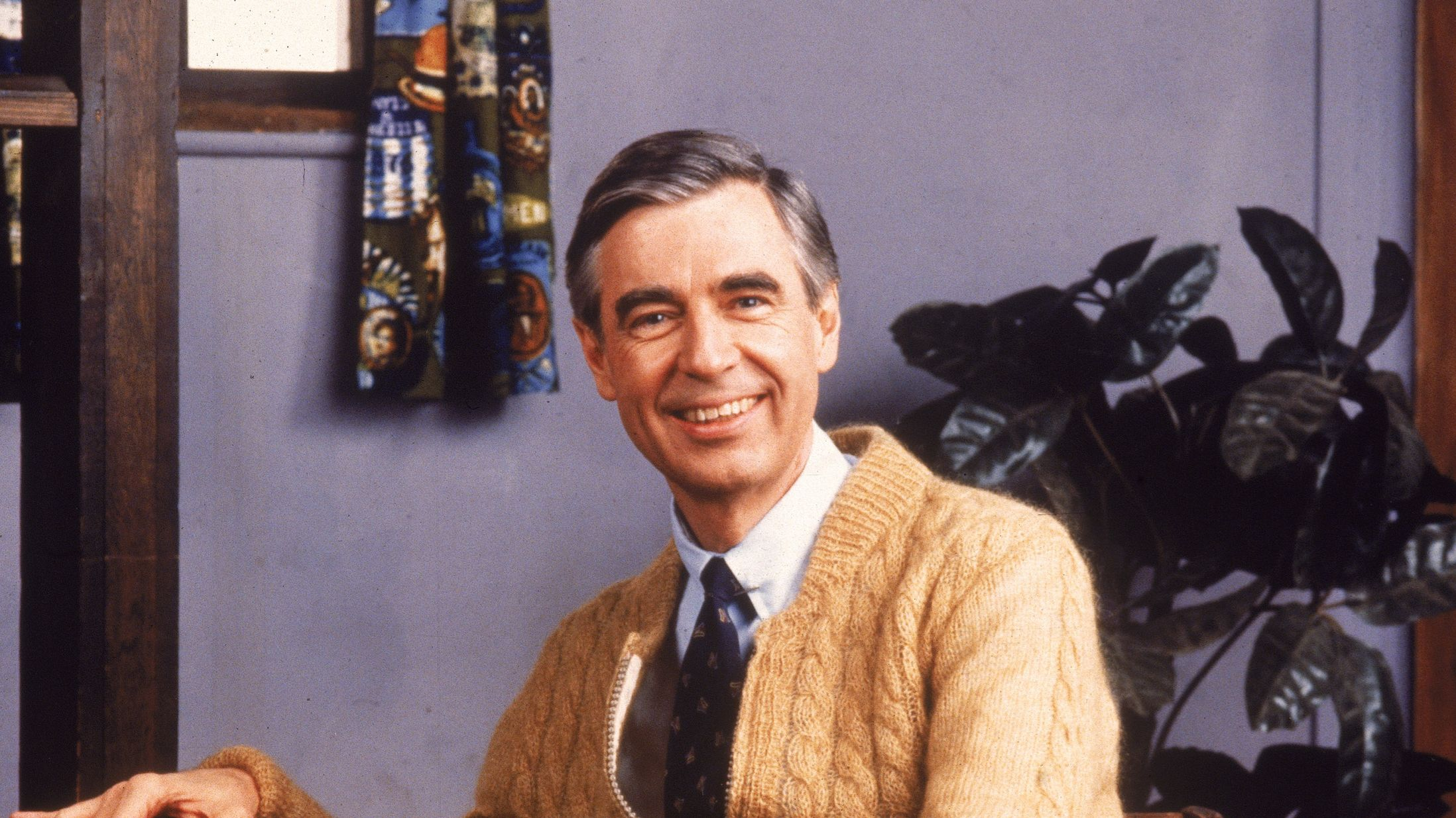 Watch Mister Rogers Accept His Lifetime Achievement Emmy And Get Ready To Cry At Work Mental Floss
