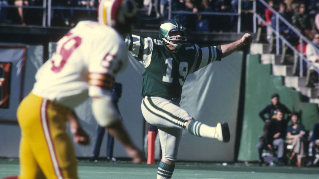 Kicker Tom Dempsey #19 of the Philadelphia Eagles kicks off against the Washington Redskins during an NFL football game at Veterans Stadium November 10, 1974 in Philadelphia, Pennsylvania.