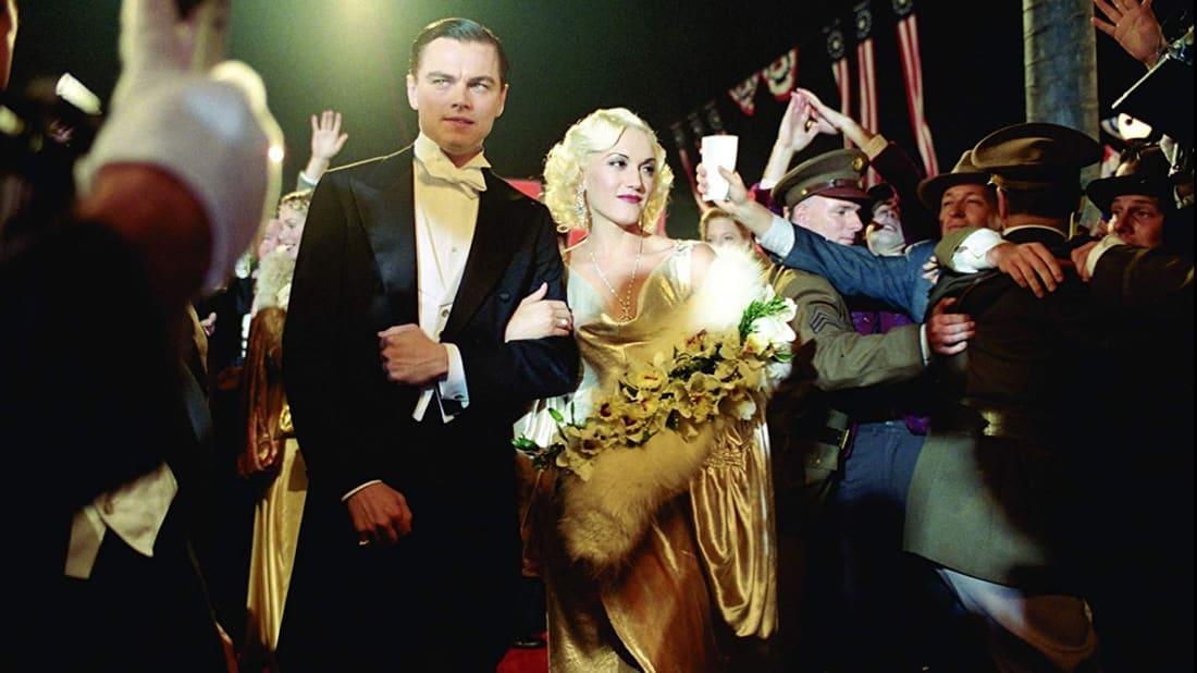 Leonardo DiCaprio and Gwen Stefani in The Aviator (2004).