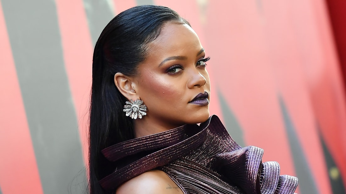 Rihanna attending a 2018 movie premiere with eyebrows on fleek