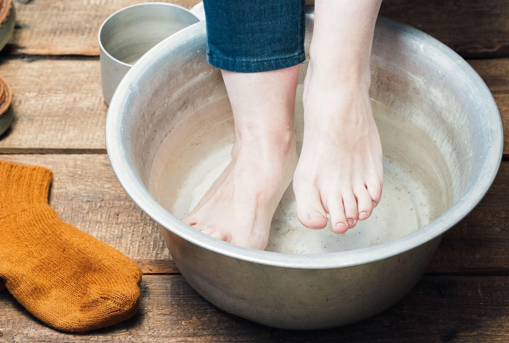 embeded hair in bottom of foot