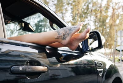 Bare feet and driving don't always go together.