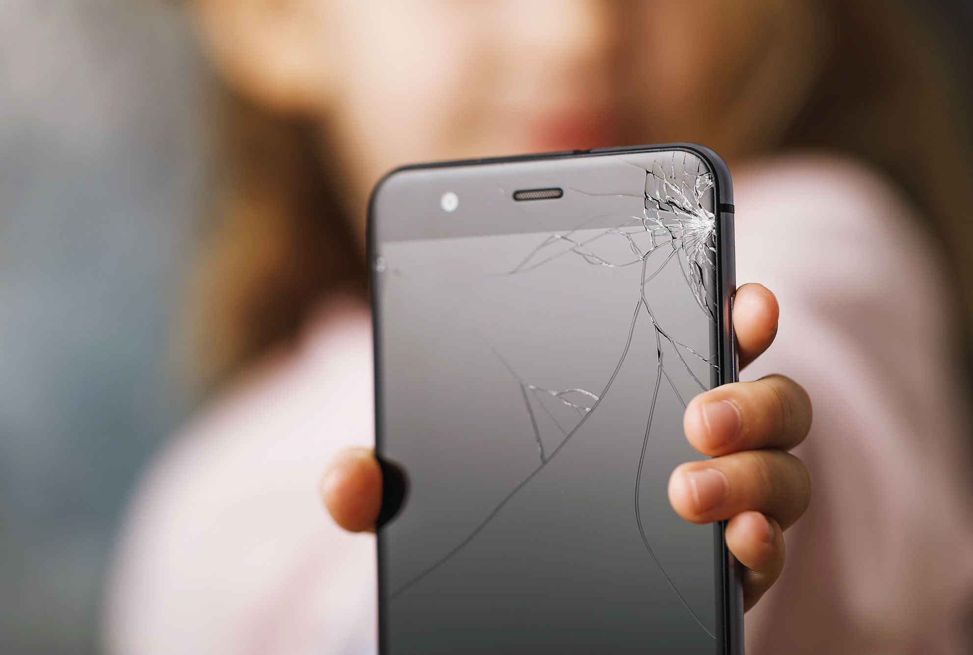 Sprint Will Fix The Cracked Screen On Your Samsung Galaxy For 49 Even If They Re Not Your Carrier Mental Floss