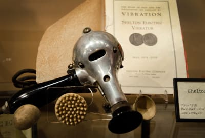 An adorable vibrator from around 1910.