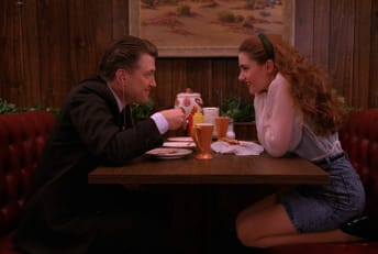 David Lynch and Mädchen Amick in Twin Peaks