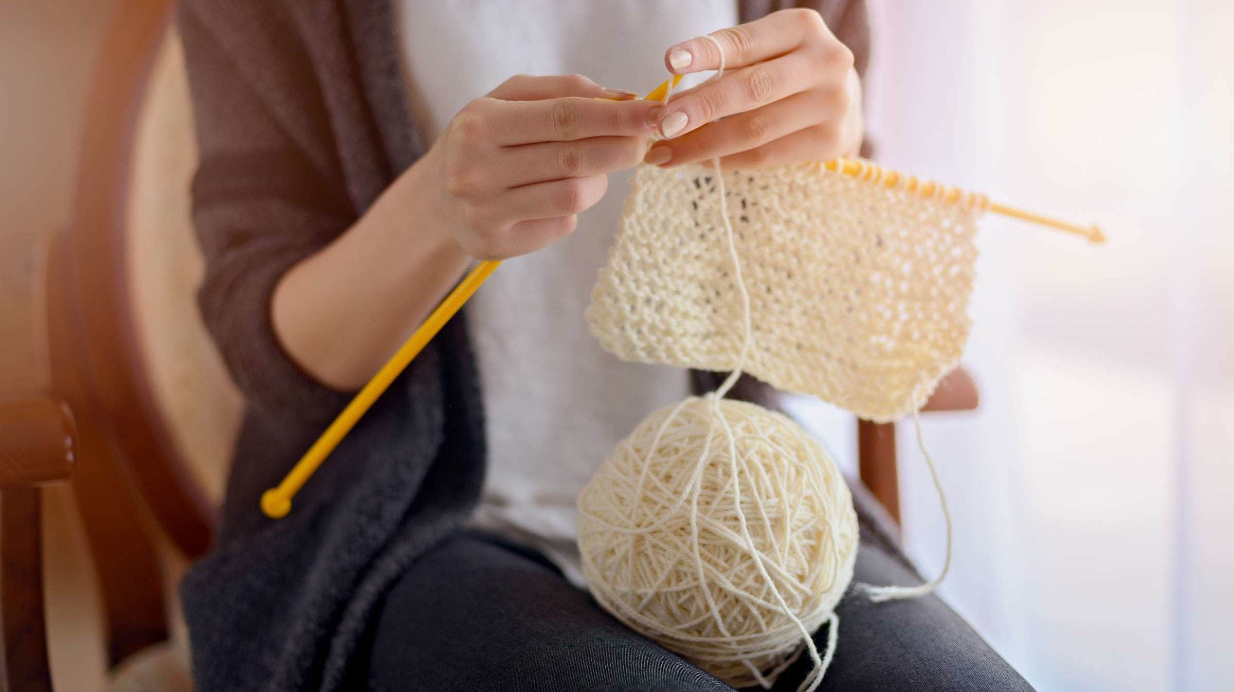 What's the Difference Between Crocheting and Knitting?