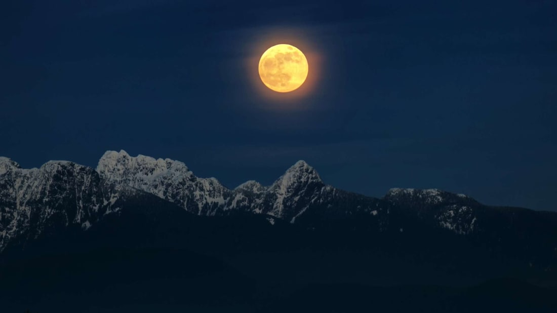A Rare 'Full Cold Moon Kiss' Is Coming This Week—Here's How to See It