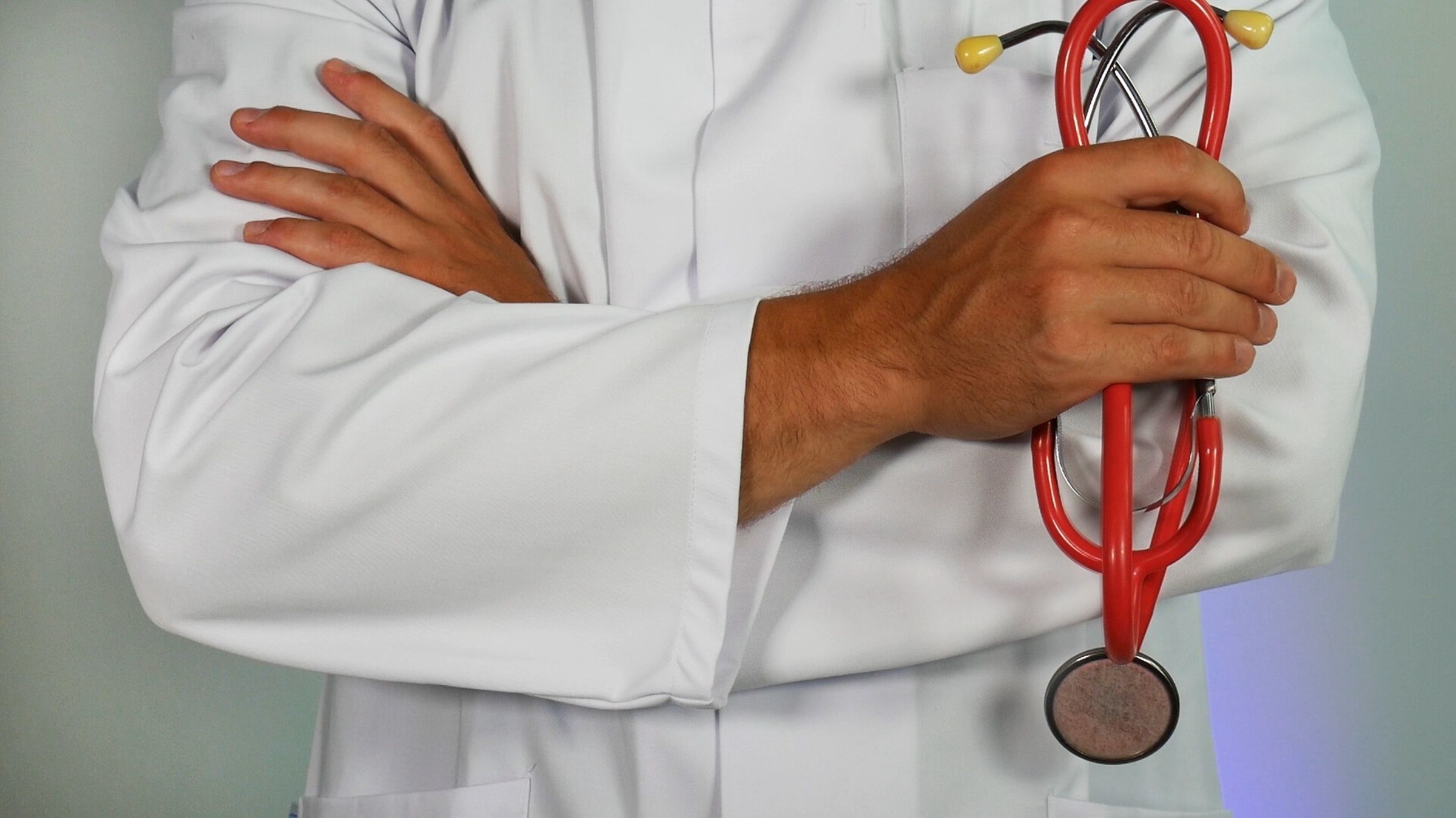 Why Do Hospital Doctors Wear White Coats?