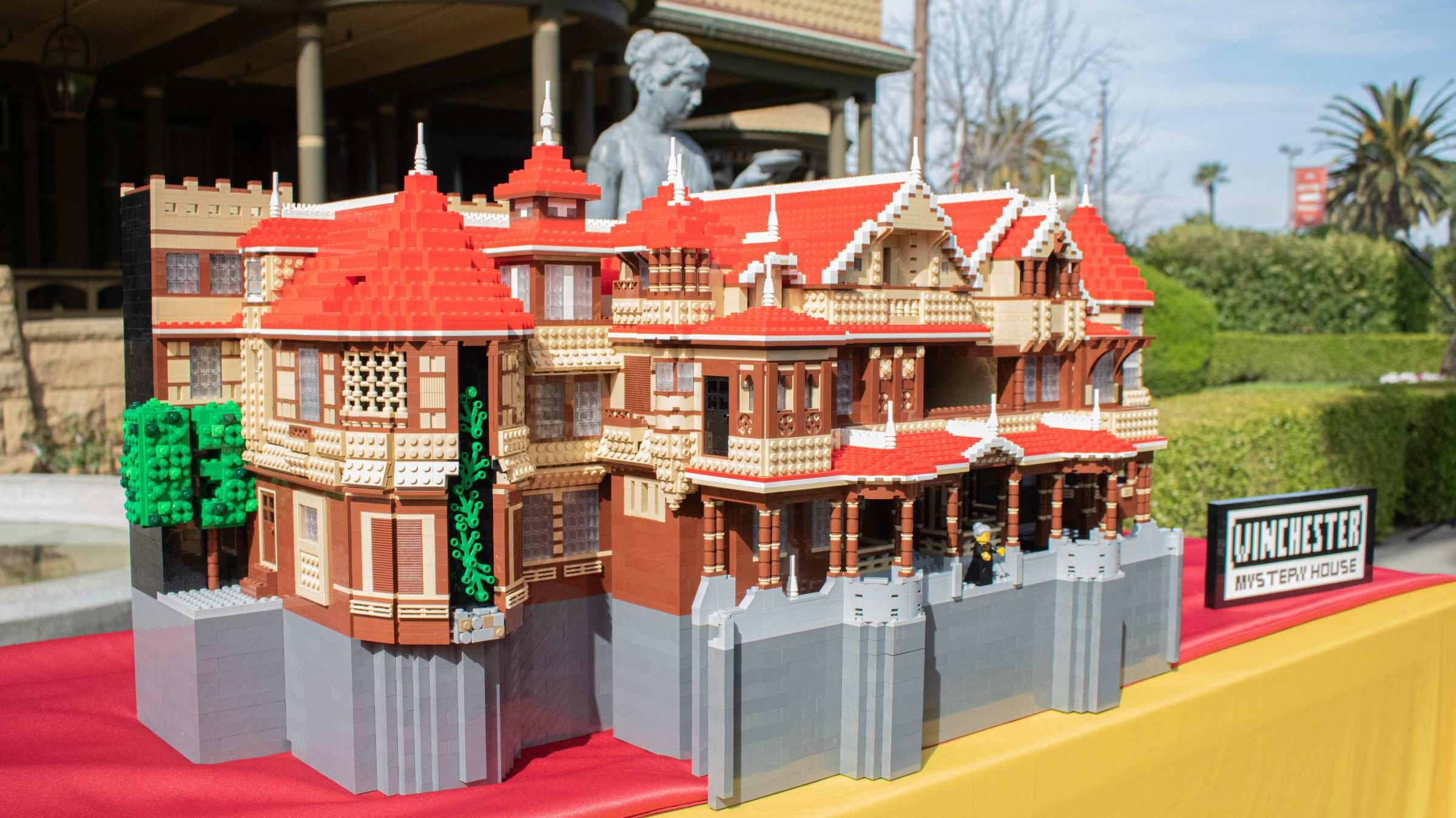 The Winchester Mystery House Was Recreated With More Than 7500 LEGO Bricks