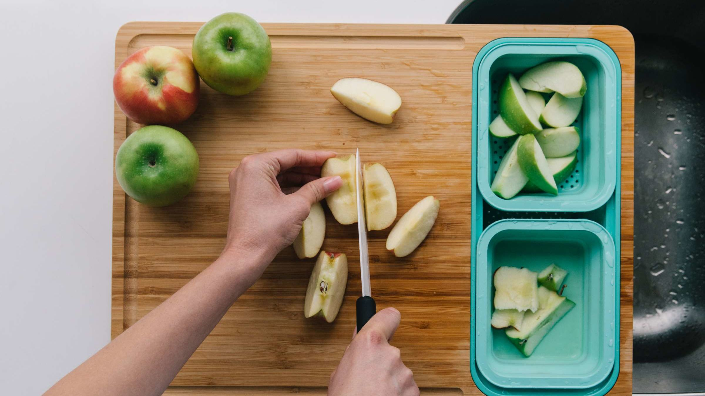 This Innovative Cutting Board Takes the Mess Out of Meal Prep