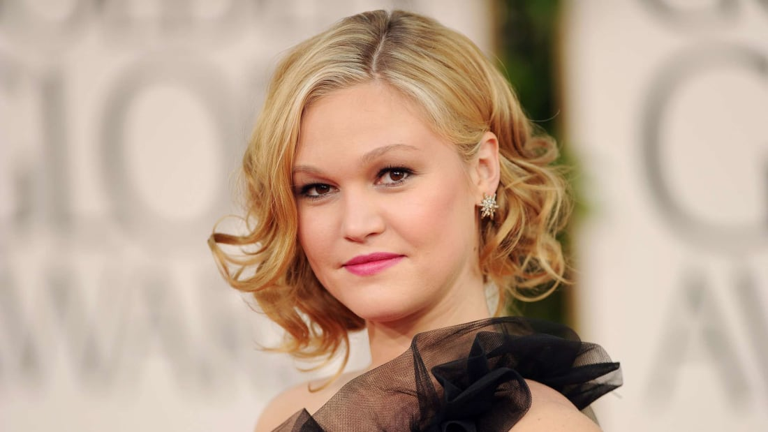 Julia Stiles at the Golden Globe Awards in 2011.
