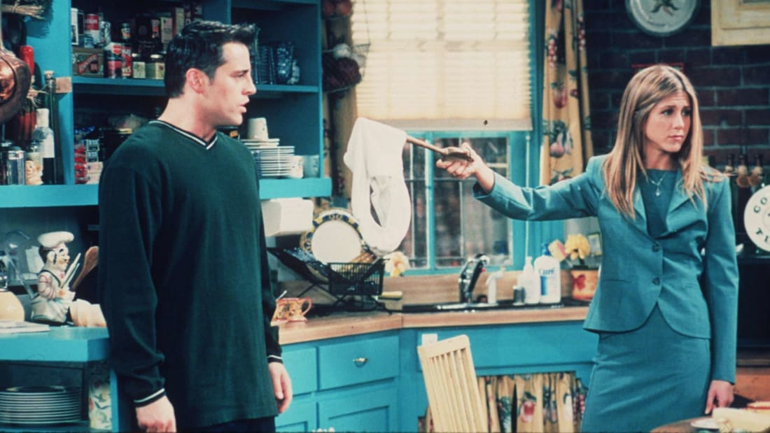 """Joey tries to help Monica and Chandler keep their relationship secret during season 5's """"The One With Ross's Sandwich."""""""