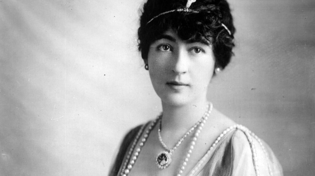 Mrs. Evalyn Walsh McLean, one of the owners of the Hope diamond, circa 1915
