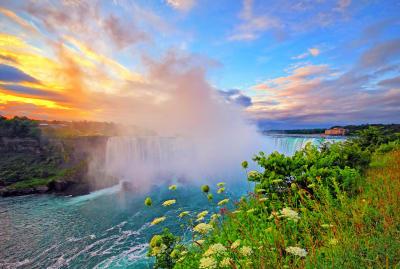Sunrise over Niagara Falls