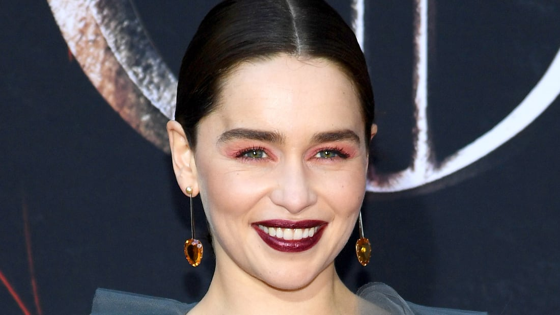 4aabad87bdc1d Emilia Clarke Told Her Mom How Game of Thrones Ends ... But It Must ...
