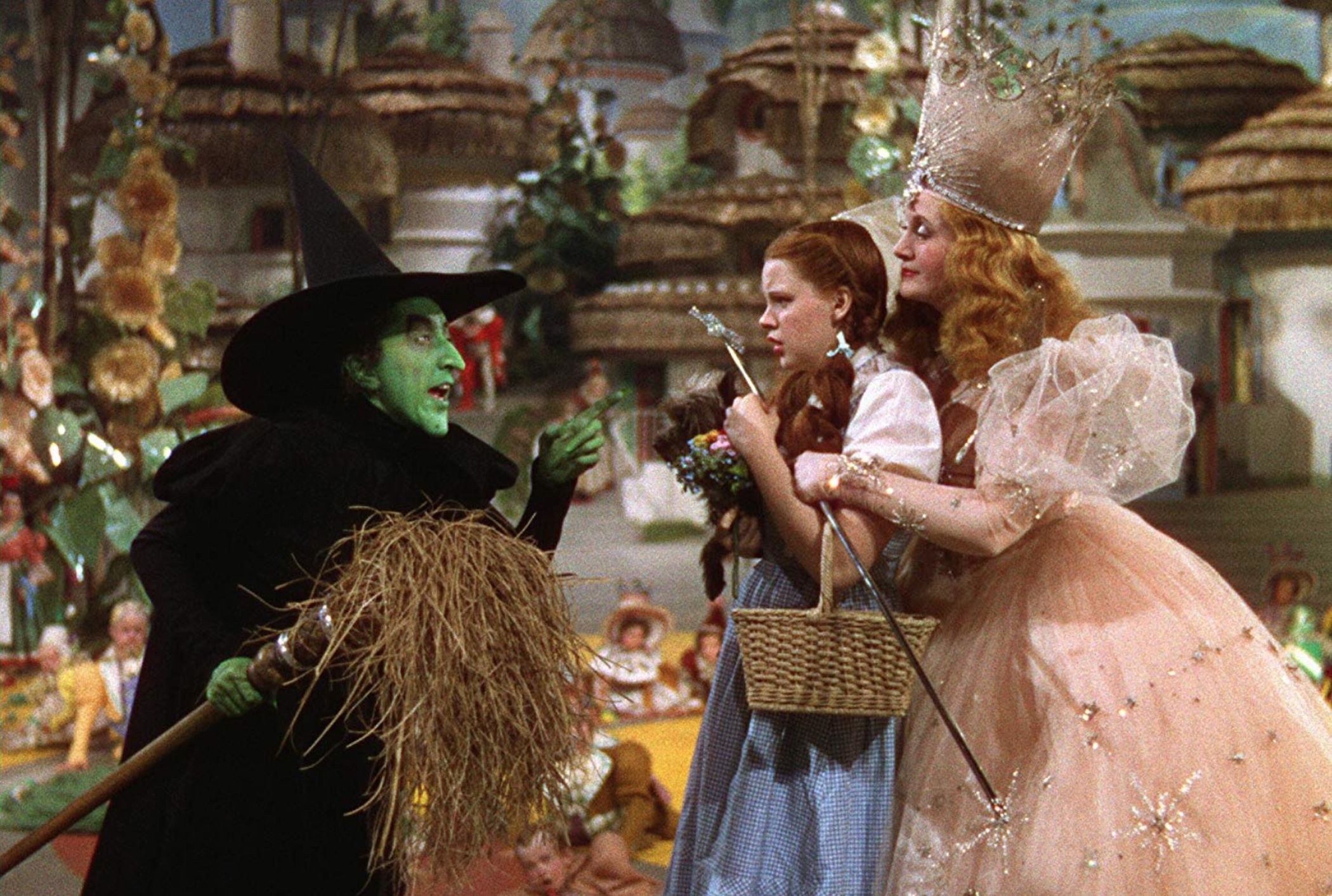 18 Wonderful (and Not-So-Wonderful) Facts About The Wizard of Oz ...