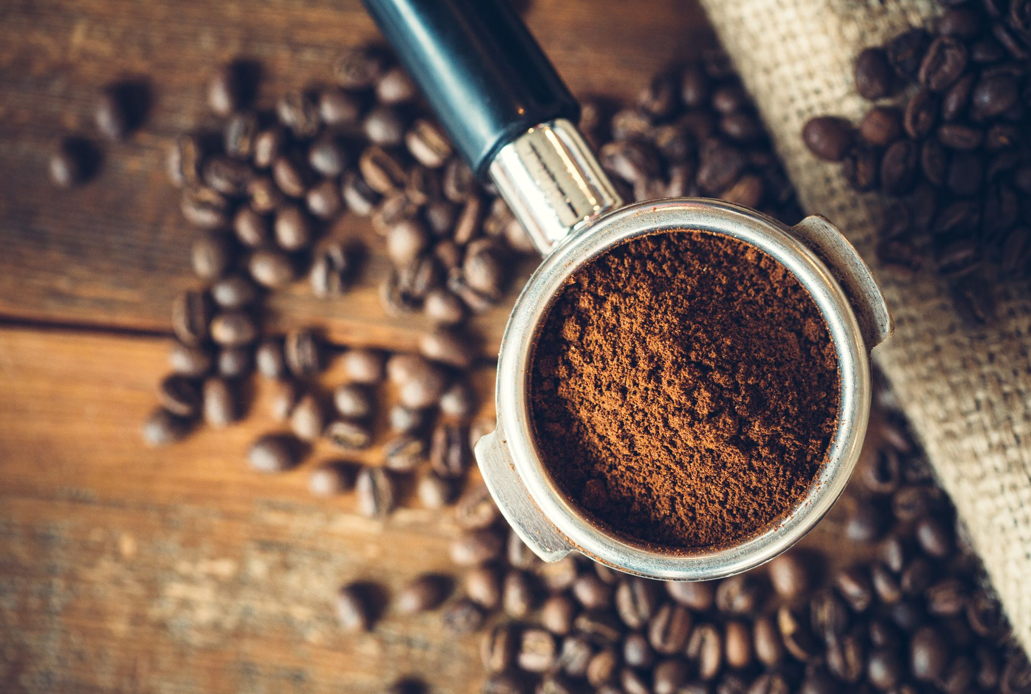 Coffee Facial Scrub - Is the Food-Based Beauty Treatment Worth it?!