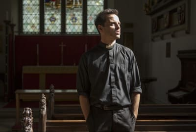 "Andrew Scott as the ""Hot Priest"" in Fleabag."