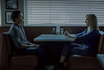 Jason Bateman and Laura Linney in Ozark.