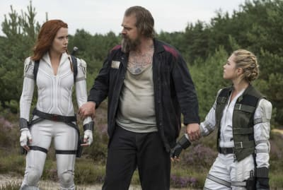 Scarlett Johansson, David Harbour, and Florence Pugh in Black Widow (2021).