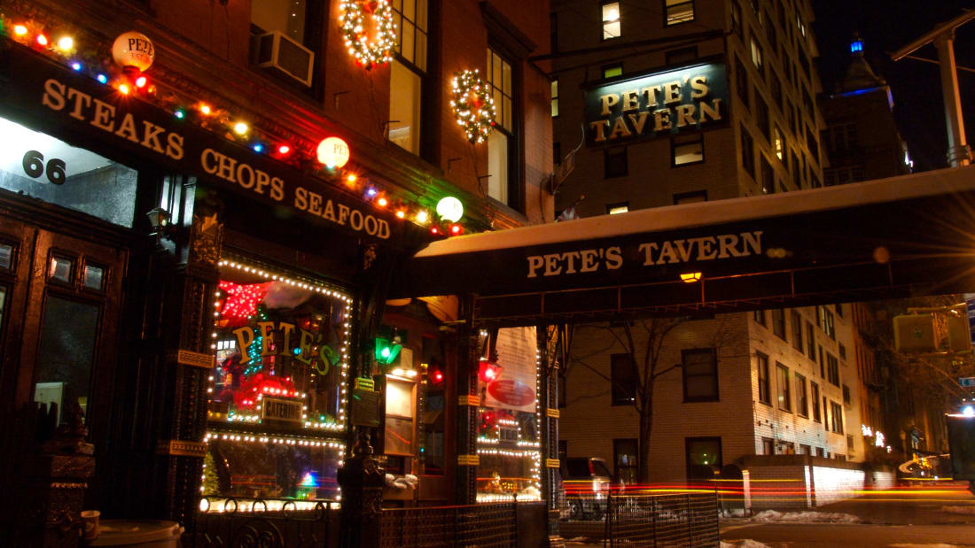 Pete's Tavern at Christmas