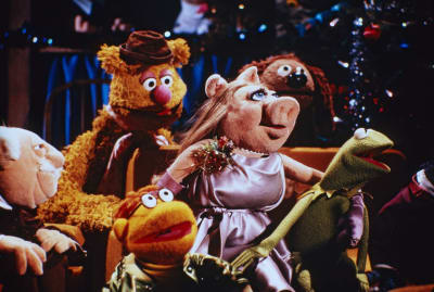 Miss Piggy and friends on an episode of The Muppet Show.