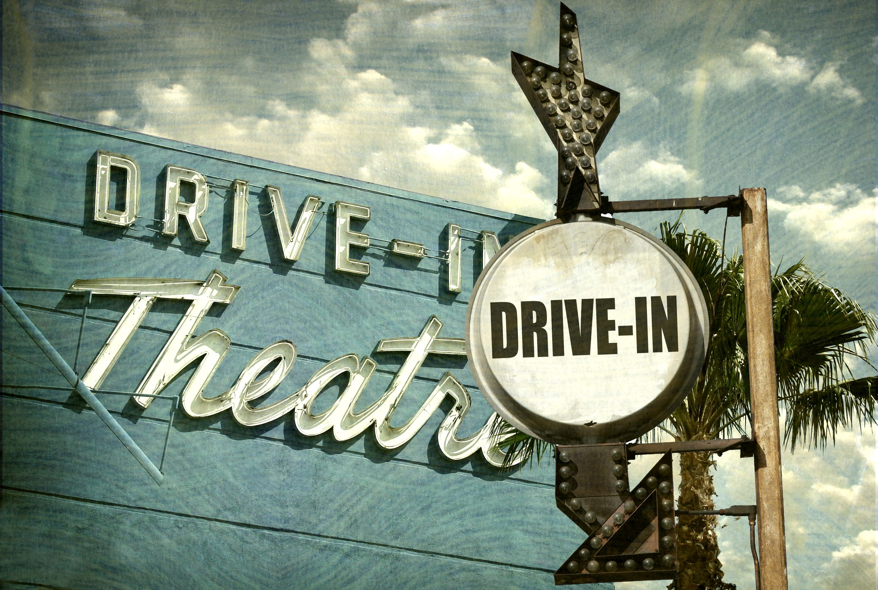 The 14 Coolest Drive In Movie Theaters In America Mental Floss