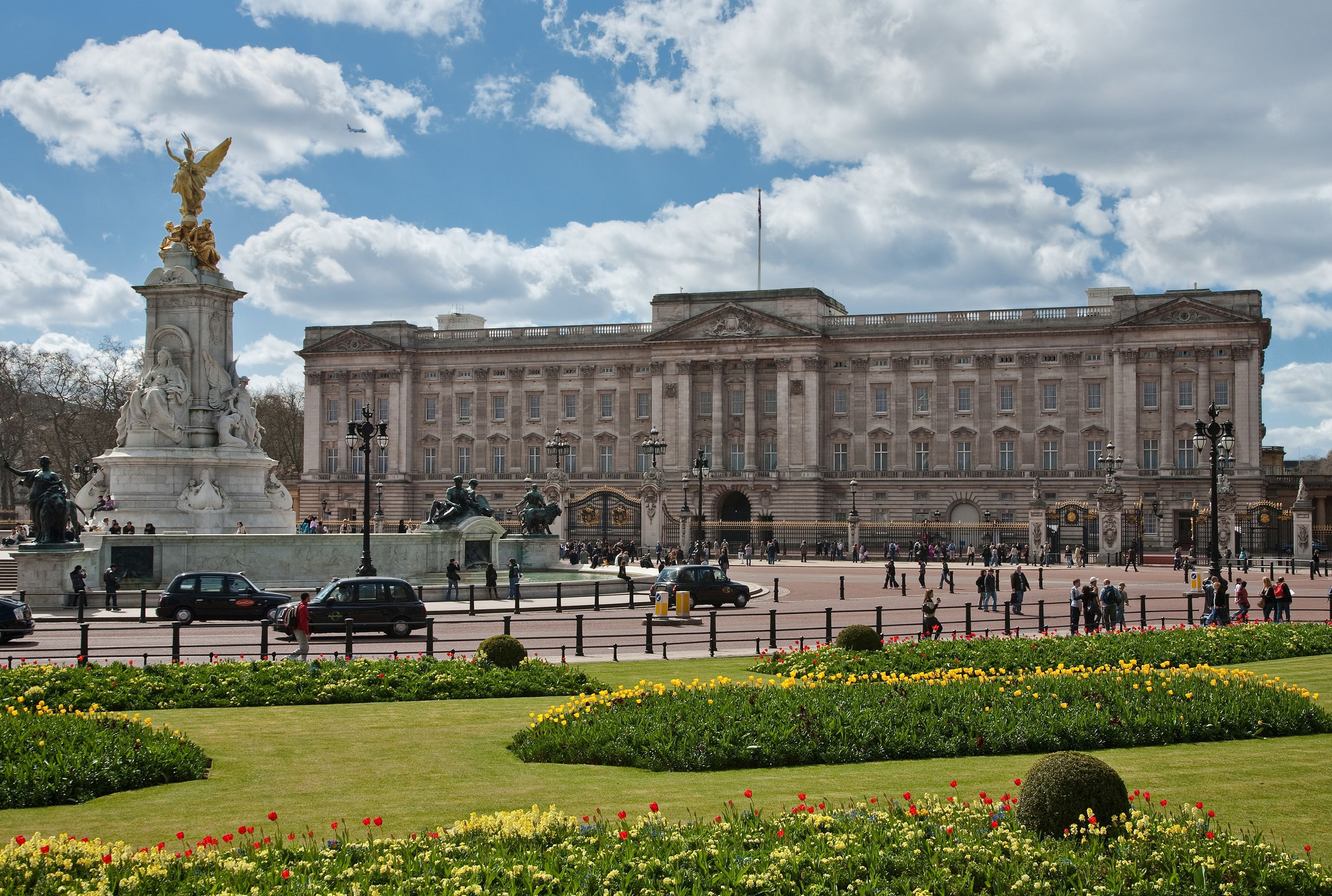 10 Amazing Facts About Buckingham Palace Mental Floss