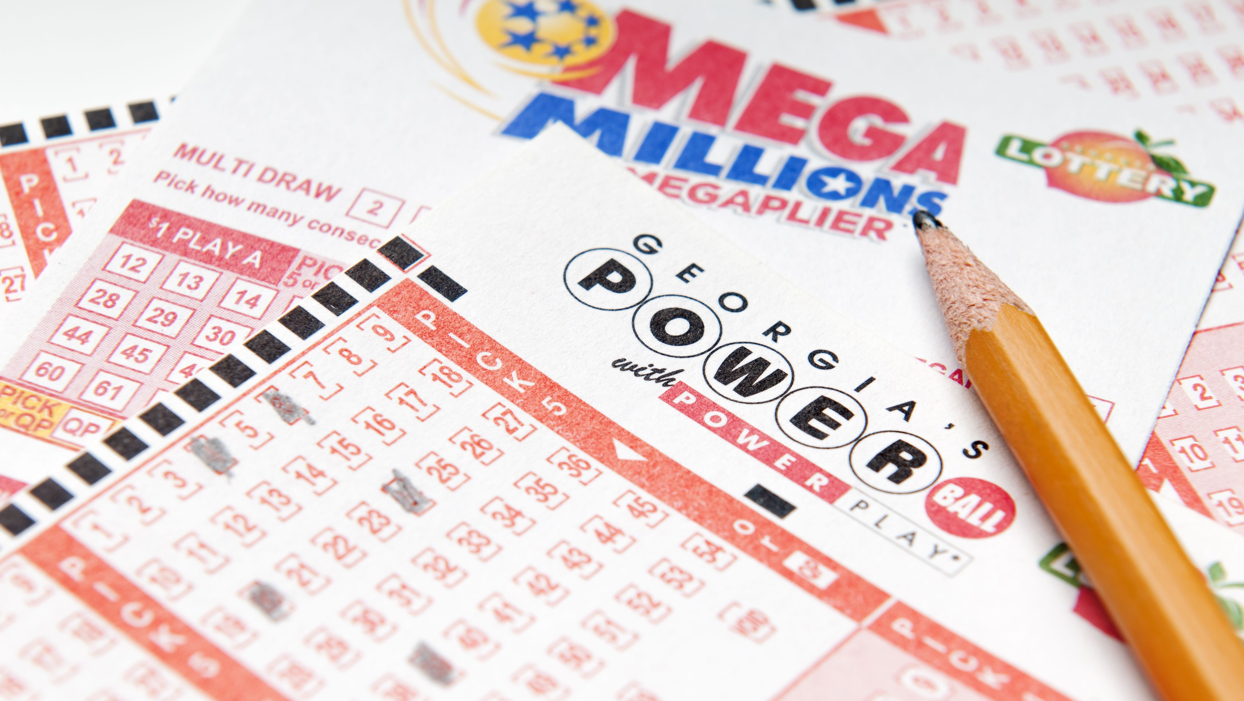 If You Win Mega Millions Or Powerball Should You Take The Cash Payout Mental Floss