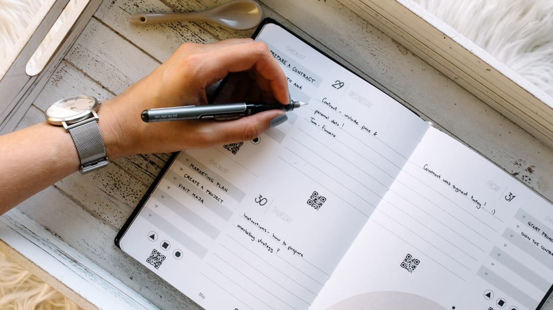 This Smart Planner Lets You Switch Seamlessly Between Handwritten and Digital Notes
